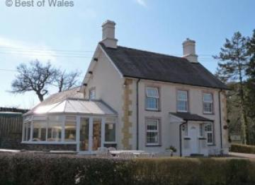 Glan y Fad – 4 star cottage sleeping 6 located online 4 miles from Aberystwyth