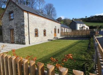 Llety'r Buarth – 5 star cottage sleeping 6 located near the village of Talybont