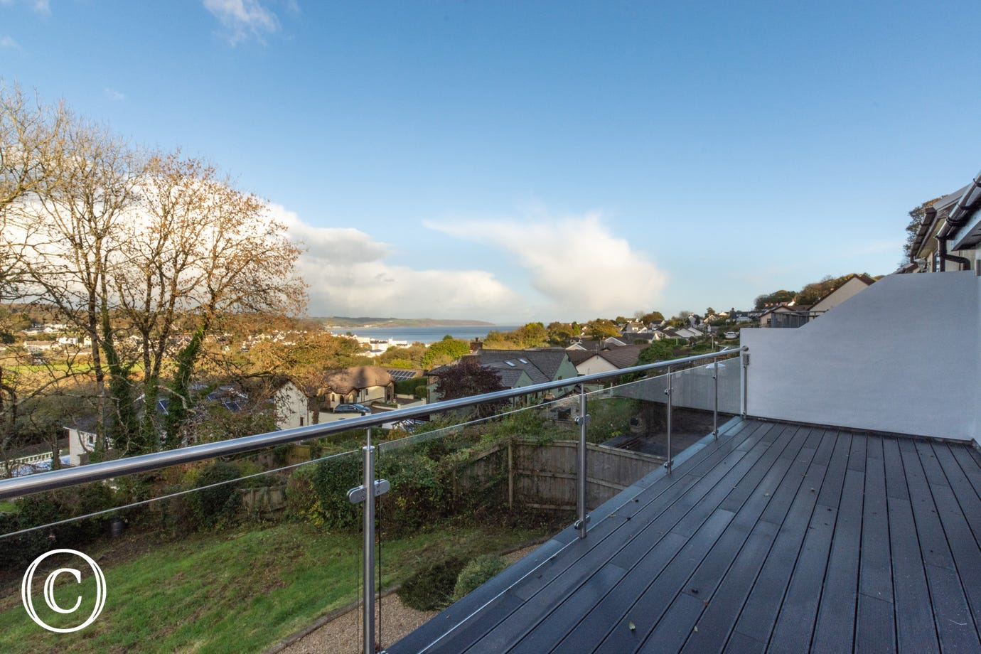 Self catering property with balcony and sea views