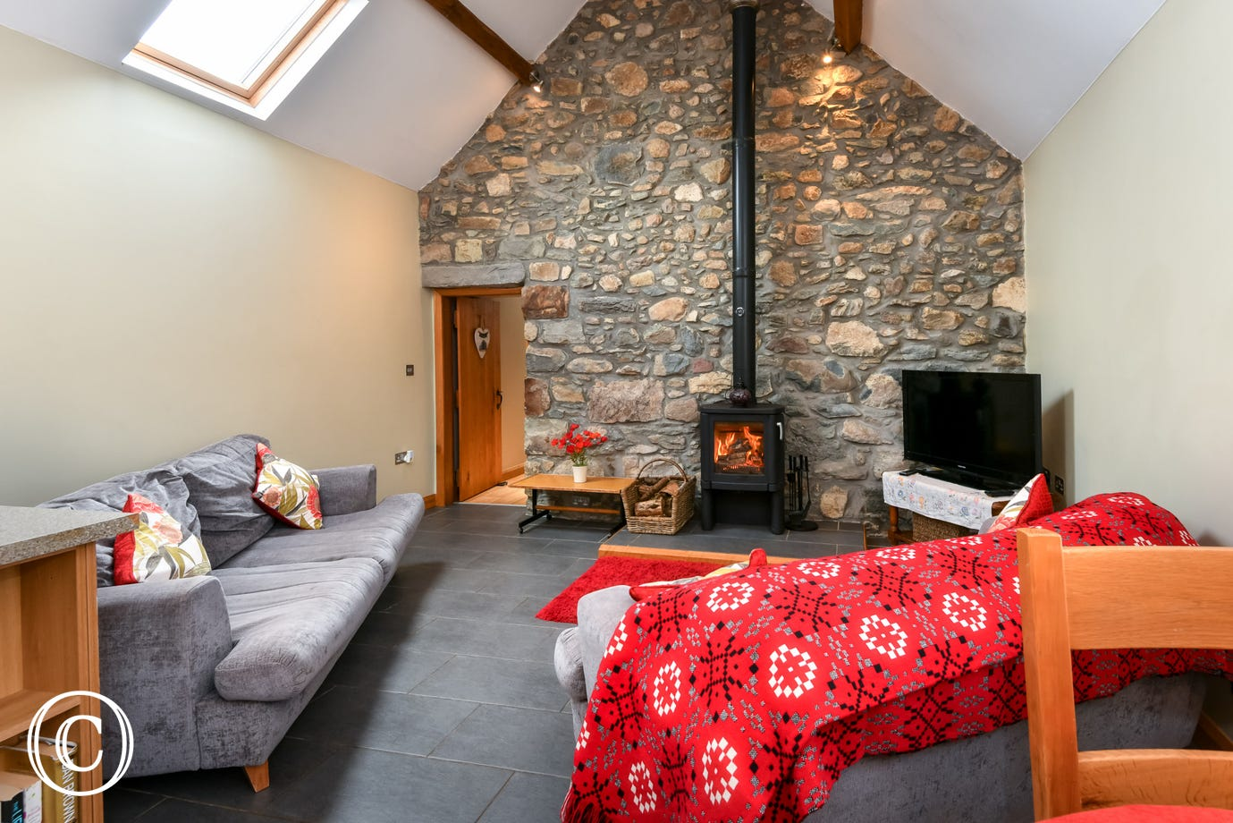 Cosy Llyn Peninsula self catering cottage for up to 5 guests