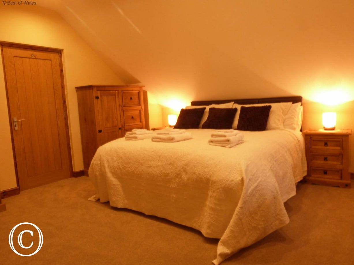 Relax, unwind & enjoy a well-earned break at this Mold accommodation