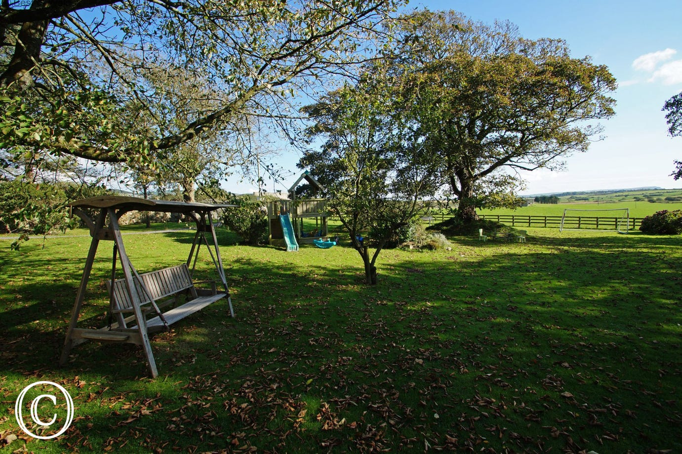 Llyn Peninsula accommodation - perfect for couples & small families