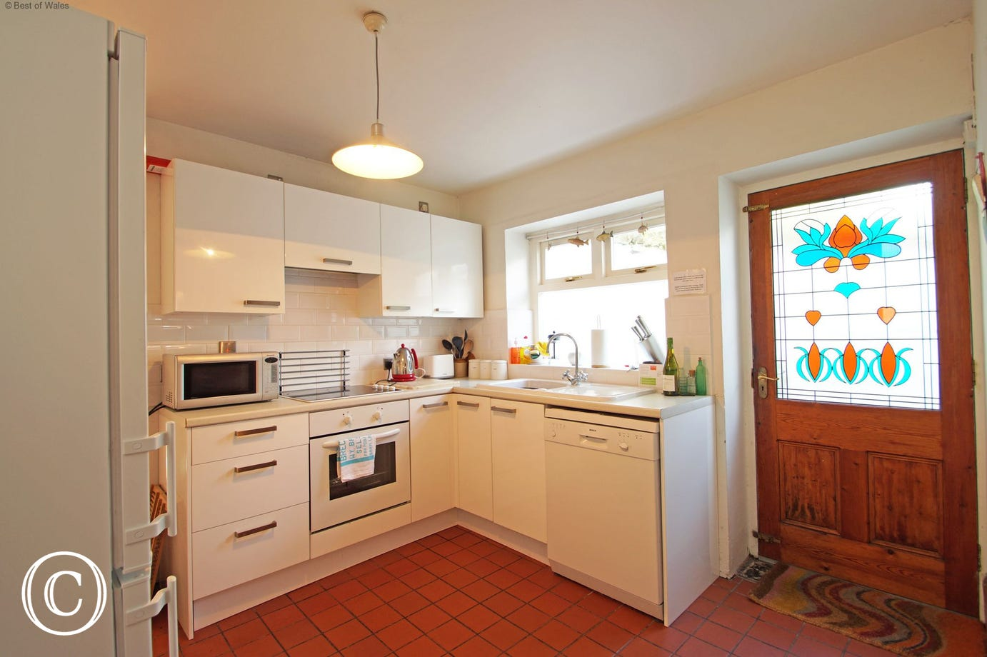 Self catering in West Wales at its best - fully equipped kitchen