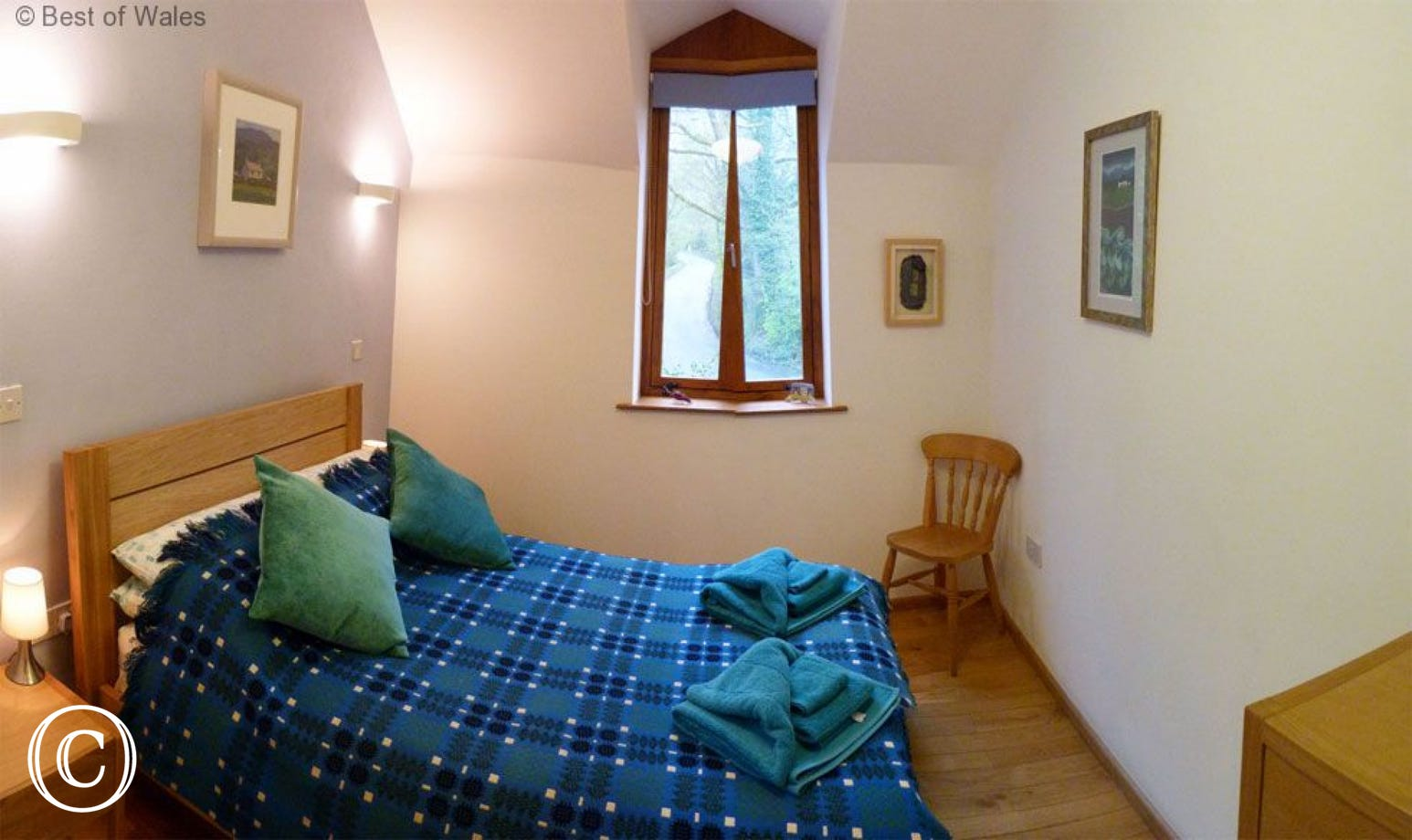 Brecon Beacons accommodation with ensuite master bedroom