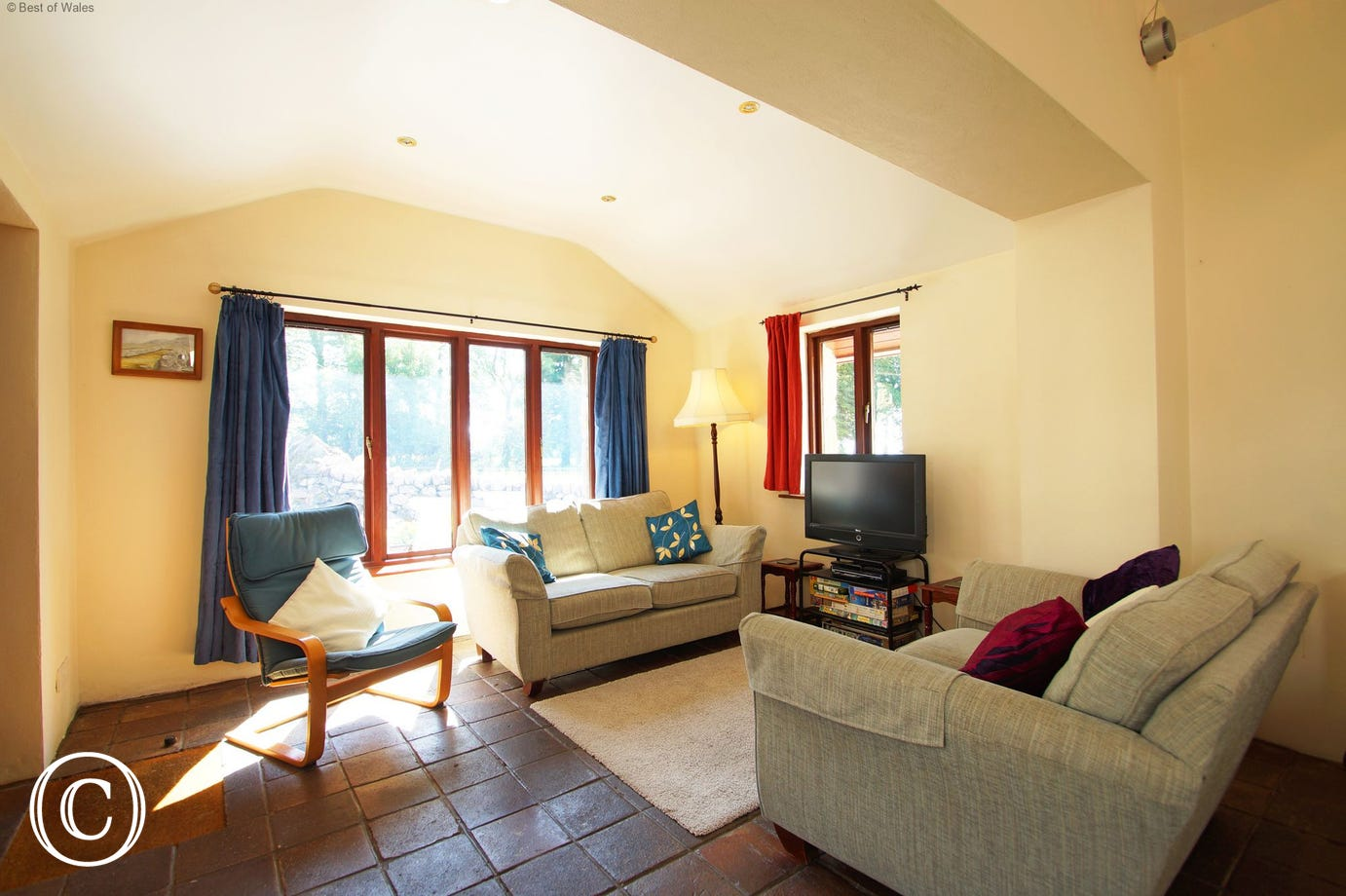 Luxury Llanberis holiday cottage in beautiful Snowdonia countryside