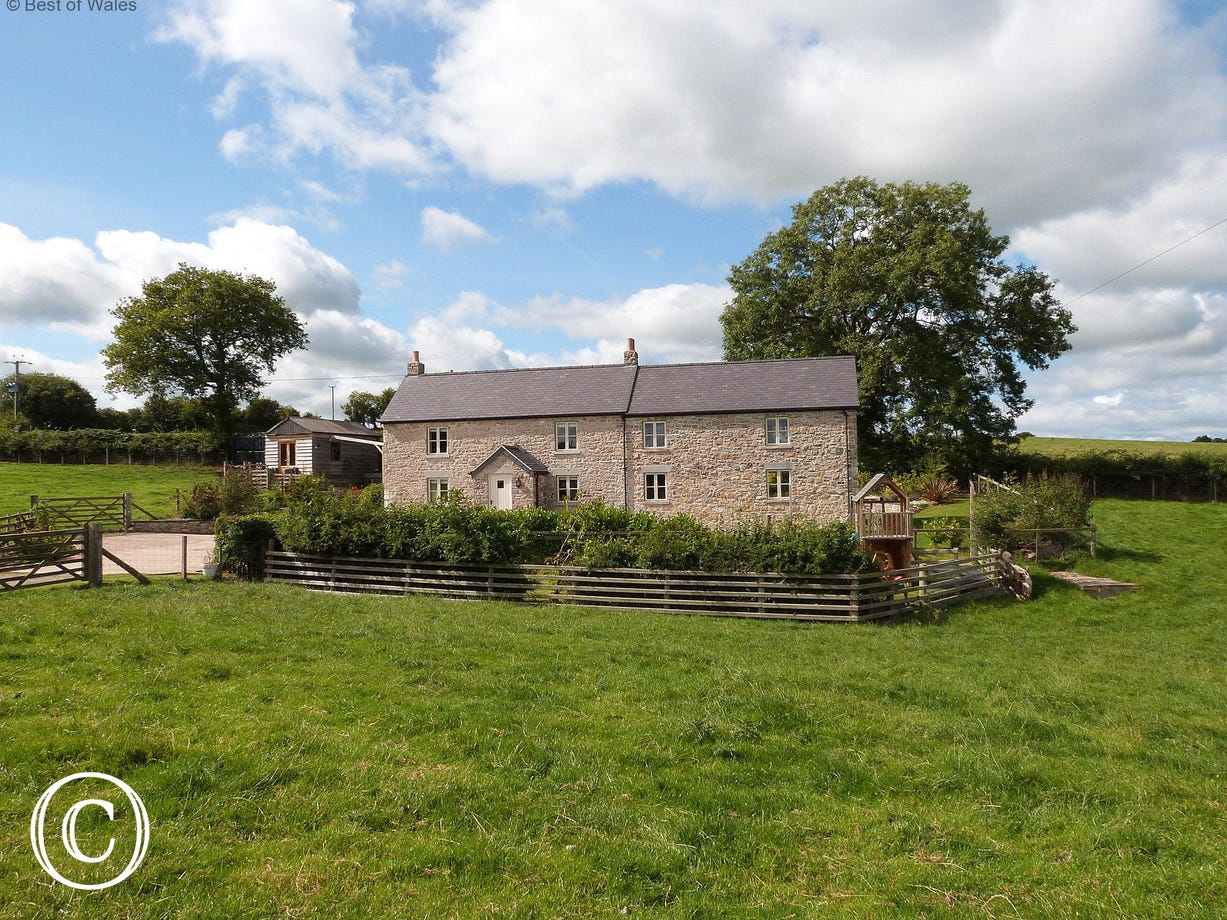 Detached, private and secluded holiday cottage in North Wales