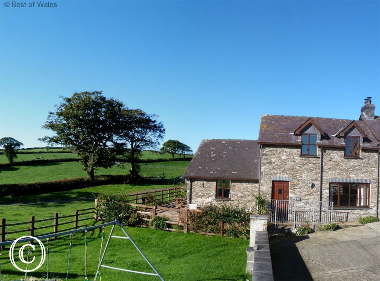 Self Catering Holiday Cottage in Lampeter West Wales
