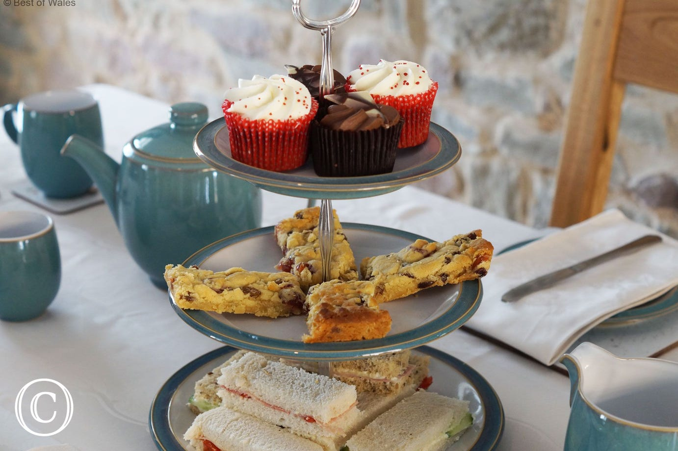 Enjoy afternoon tea at Llwynrhosser