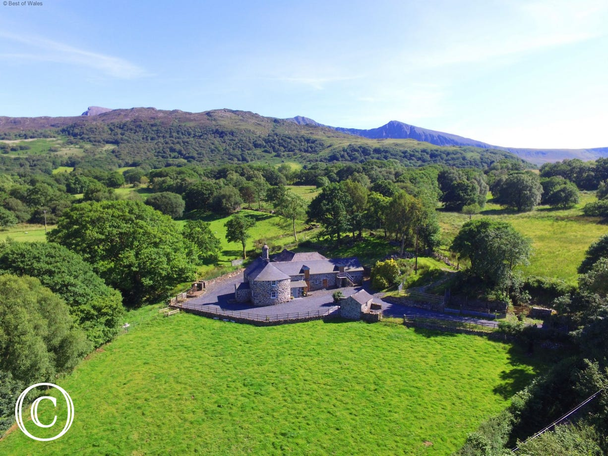 Surrounded by beautiful countryside and the Snowdonia mountains