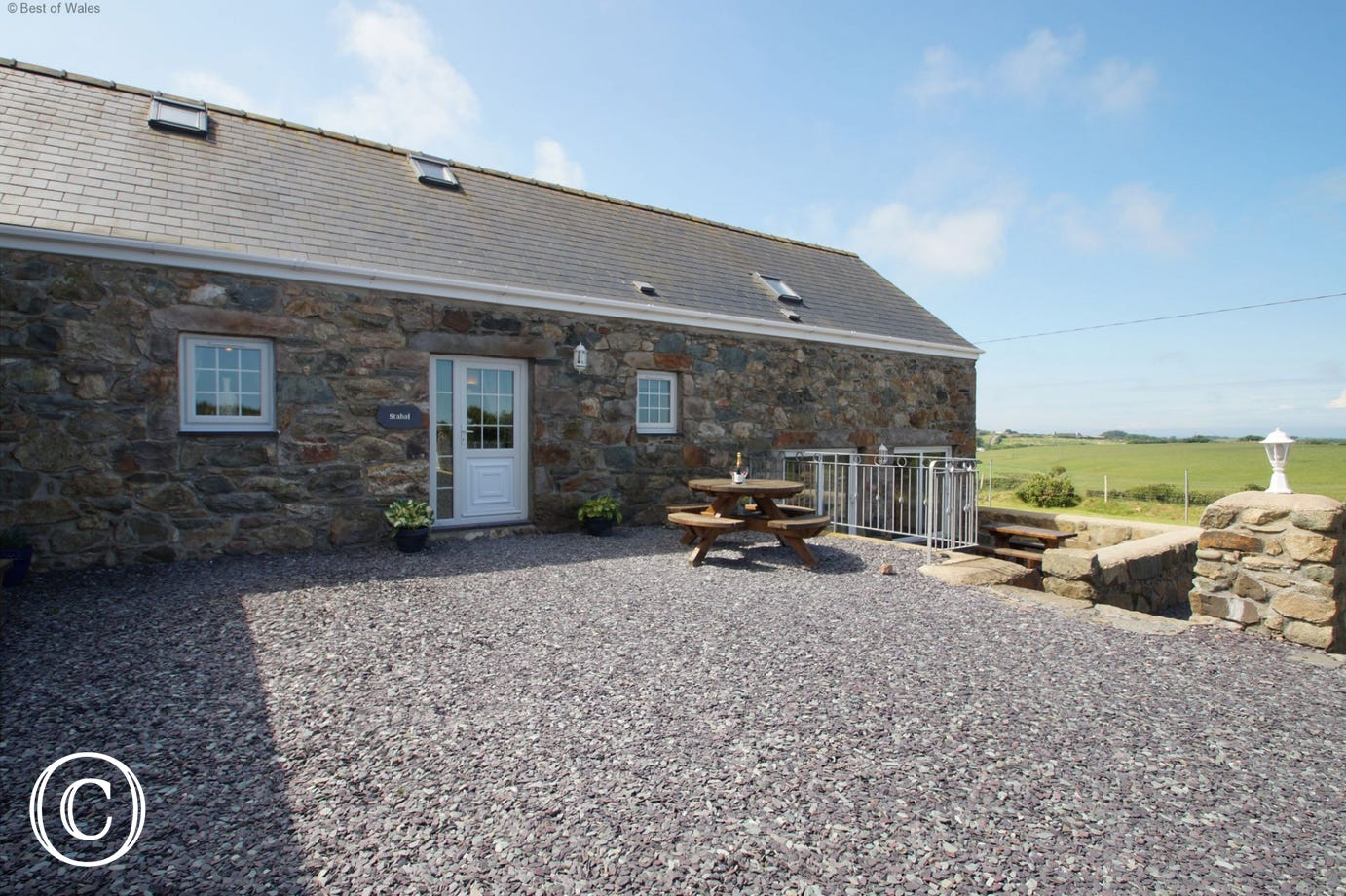 Large, luxurious and welcoming holiday cottage Llyn Peninsula