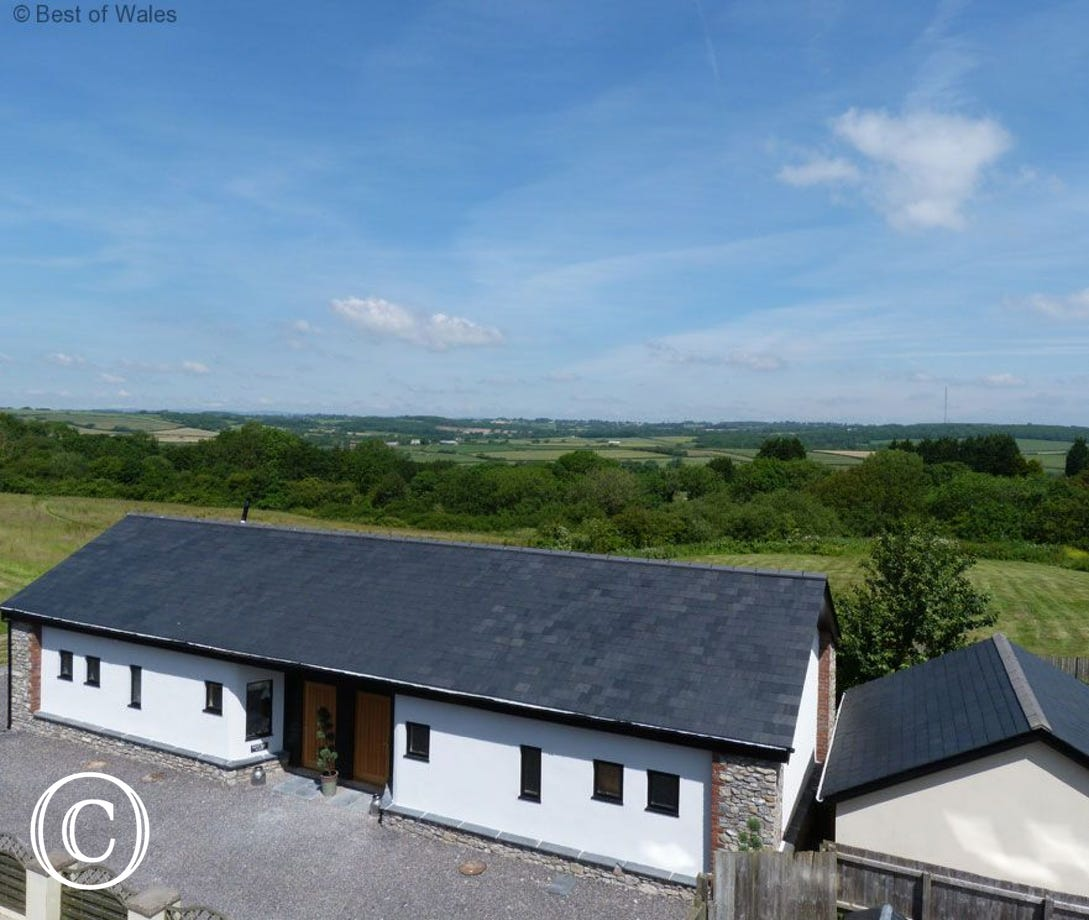 Y Golomen  5 star Self Catering Barry accommodation