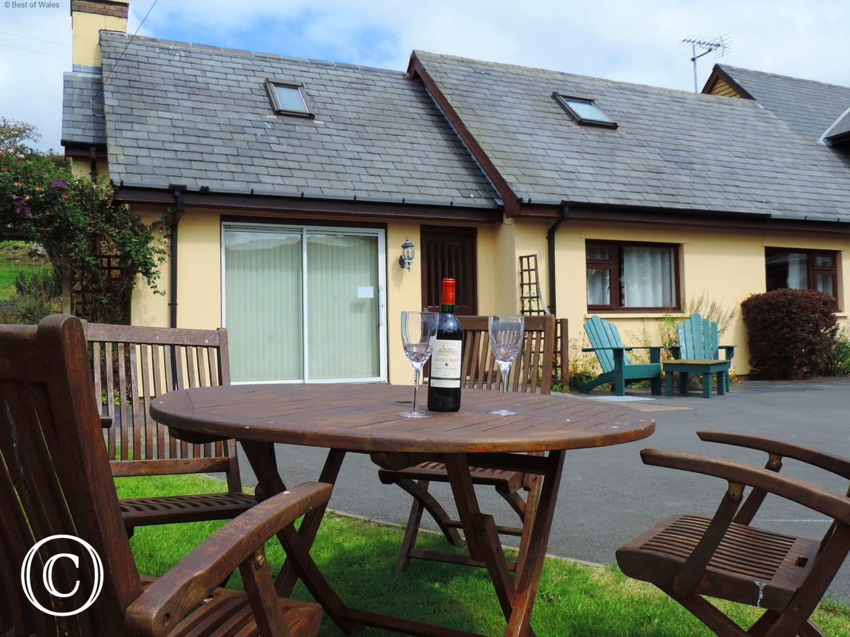 Enjoy the beautiful, tranquil surroundings at Ger y Faen cottage