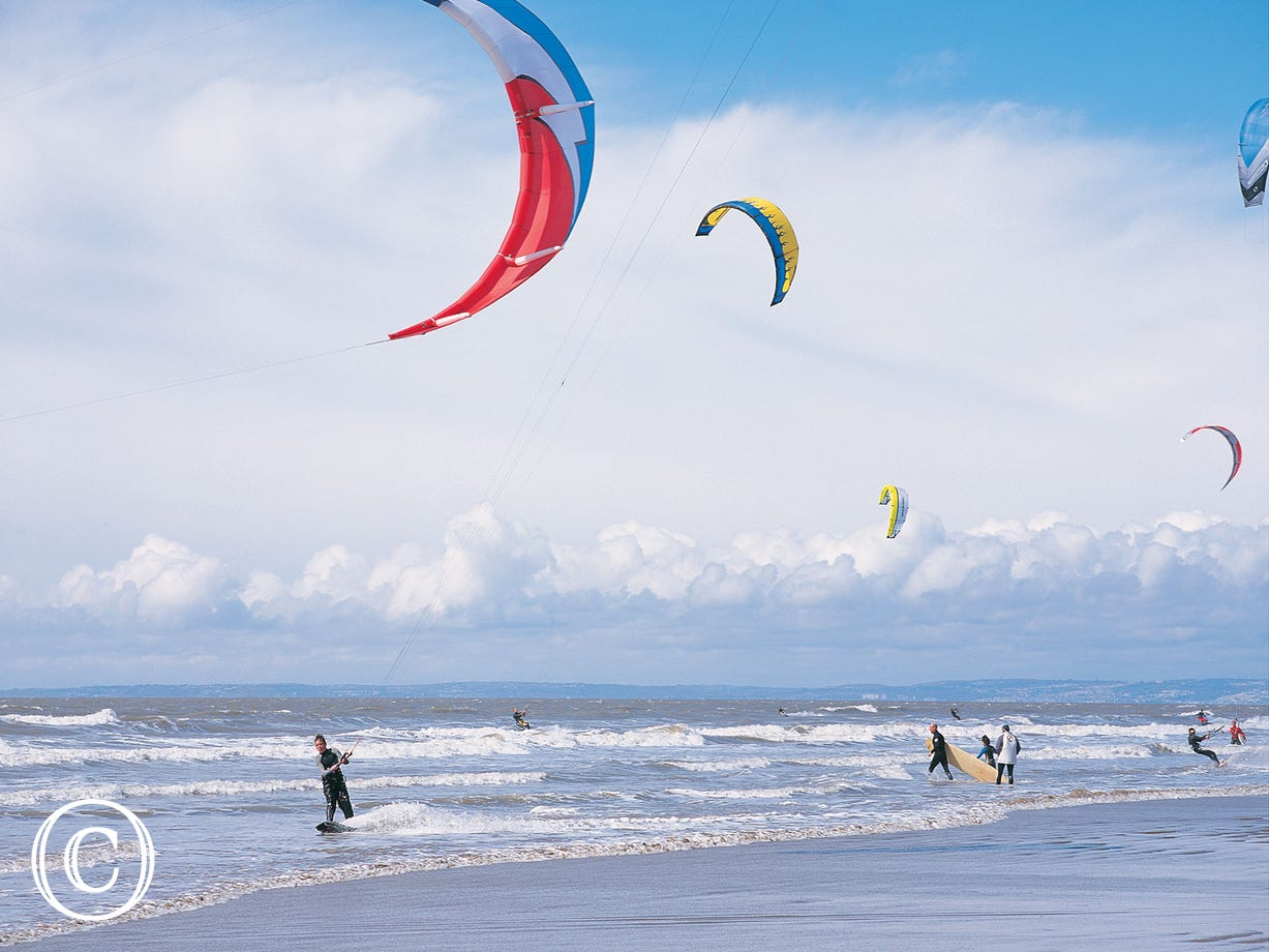 Kite surfing in Porthcawl