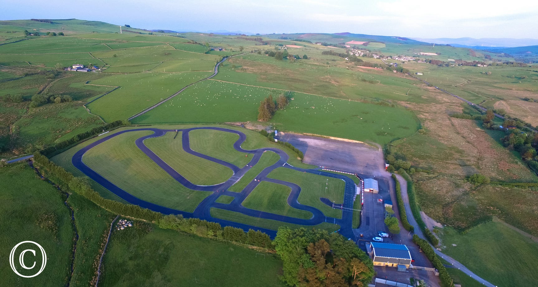 Championship go-karting circuit nearby to get the adrenalin flowing