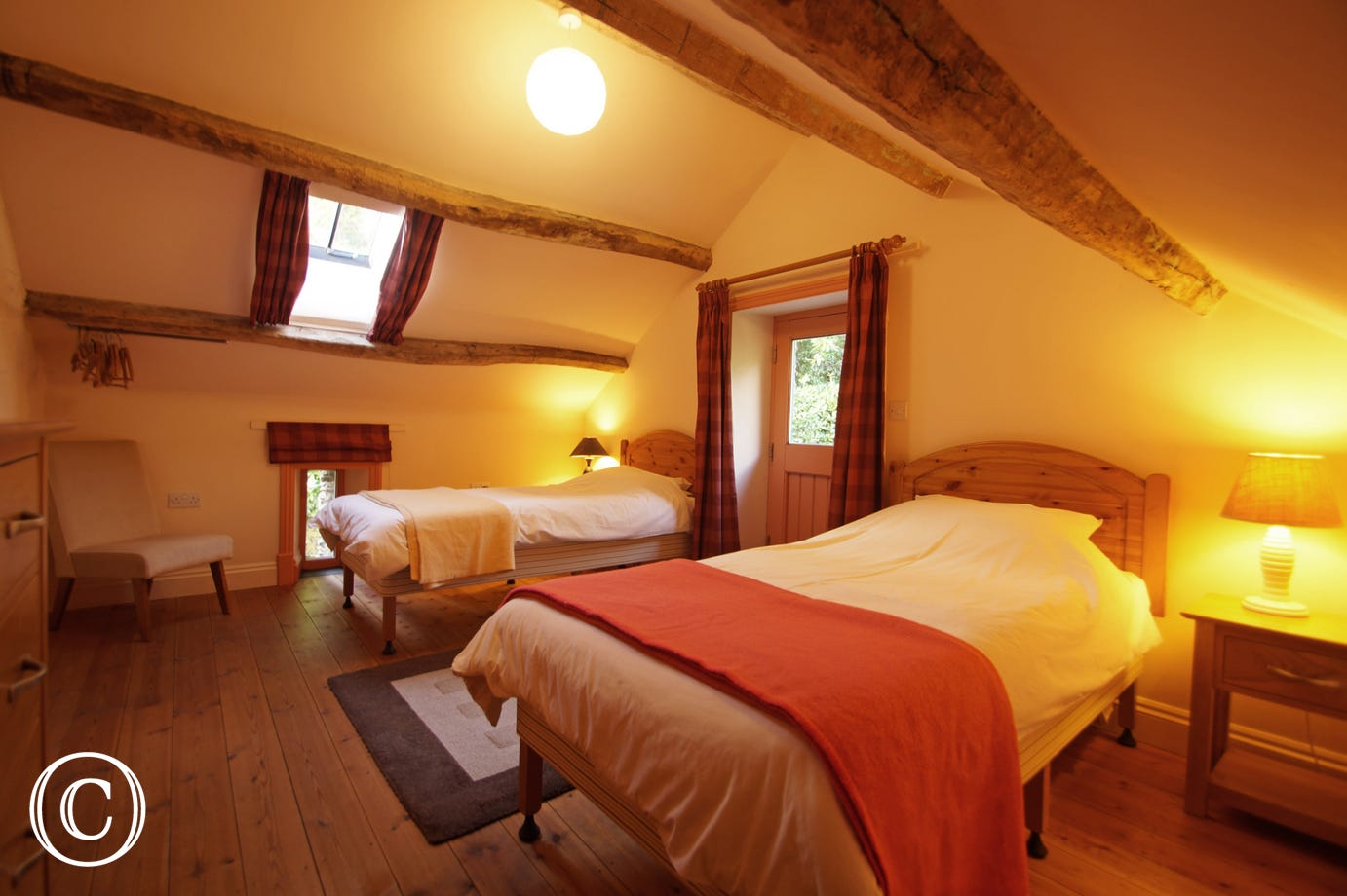 Granary bedroom - First twin bedded room with view on to the garden