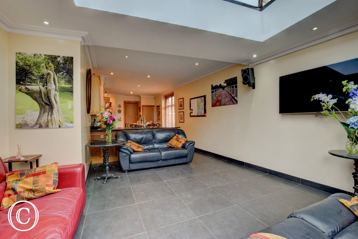 stylish Cardiff Townhouse - Lounge area with huge TV