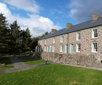 Nant Gwrtheyrn Accommodation - Sea View Cottage for 6-8 guests