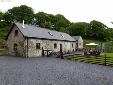 Self catering Mold accommodation - a stunning countryside retreat