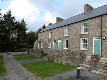 Nant Gwrtheyrn Cottage with an Amazing Sea View