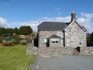 Ty Cerrig Coastal Cottage near Barmouth and Harlech, North Wales