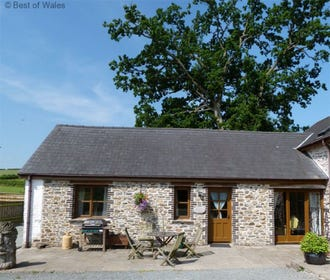 Cysgod-y-coed holiday cottage near Builth Wells in Mid Wales