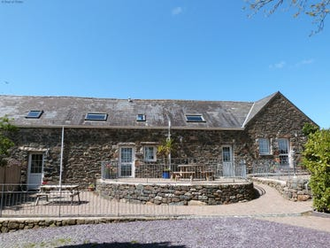 3 North Wales self catering cottages next door to each other - perfect for get-togethers